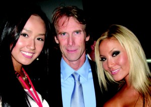 Miss Vietnam 2007 Mai Phuong Thuy, director Michael Bay, and Natalie