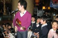 Matthew Ireton gets the kids singing
