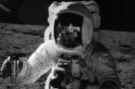 Volunteers begin Mars exile