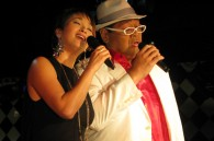 Konishiki and his wife Chie at a press conference for the release of his new CD