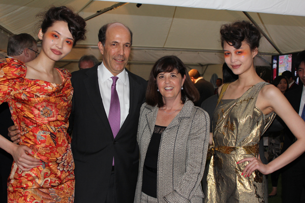 Ambassador Roos and his wife at British Embassy Jubilee Party