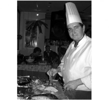 tokyoweekender_Pink Cow chef carving the turkey