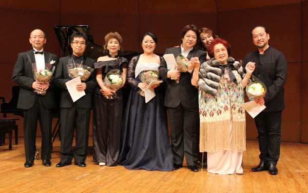 Grace Saito and participating opera stars