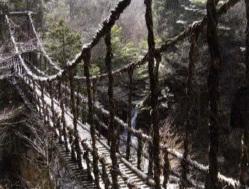 Rope hanging bridge