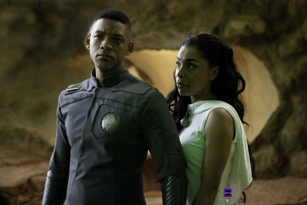 Will Smith and Sophie Okonedo in 'After Earth'