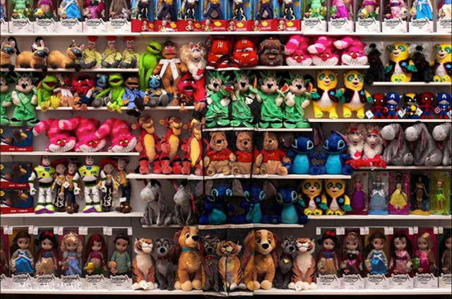Stuffed Animals, Liu Bolin
