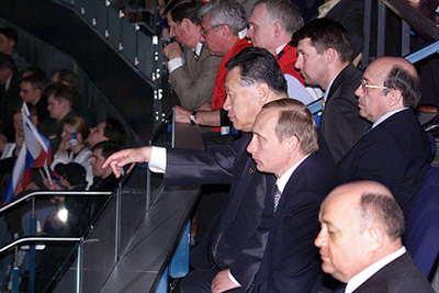 Mori and Putin at the opening ceremony of the 64th World Ice Hockey Championships in St. Petersburg, 2000CC-BY-3.0