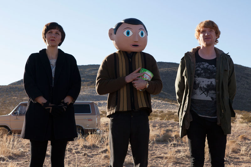 Maggie-Gyllenhall-Michael-Fassbender-and-Domhnall-Gleeson-in-Frank