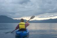 akita-canoeing