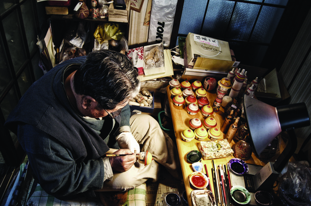 Kazou Satou has been making kokeshi for 45 years