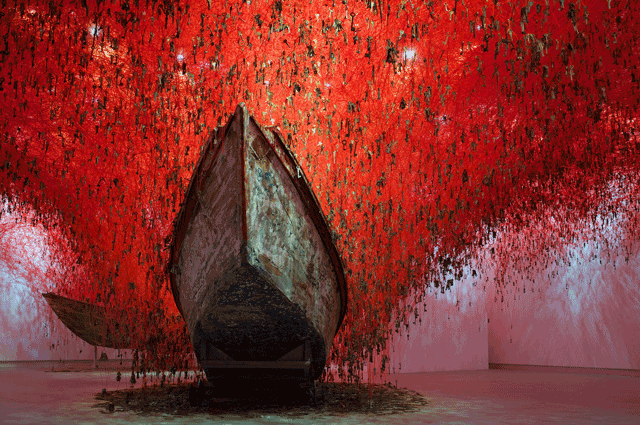 chiharu-shiota-the_key_in_the_hand