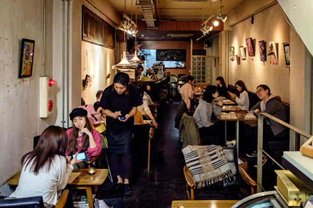 76cafe-omotesando-2-review-by-mandy-lynn-tokyo-weekender-photo-by-luca-eandi