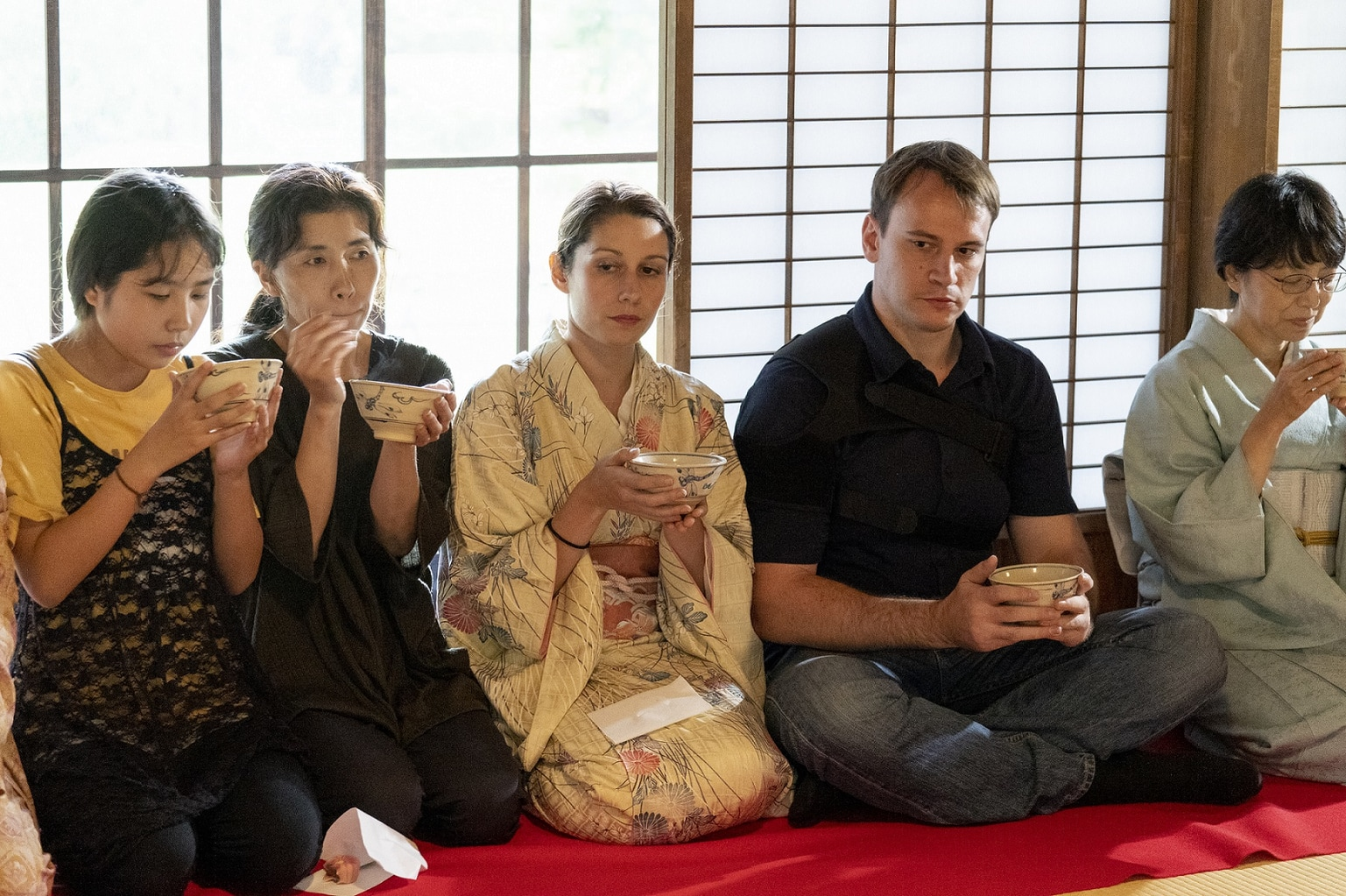 Foreign visitors learn Japanese tea ceremony in Tokyo
