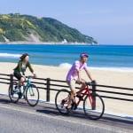 Take a bicycle ride around Shikashima island at Fukuoka