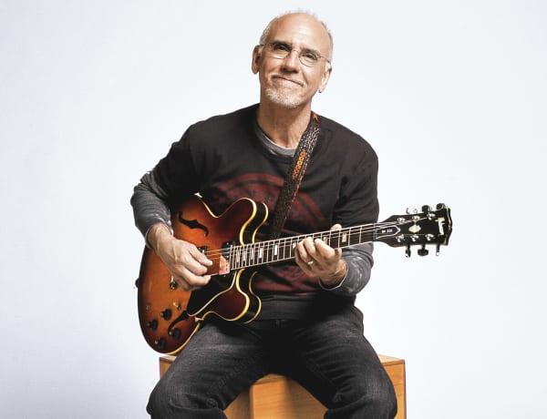 Jazz guitarist Larry Carlton