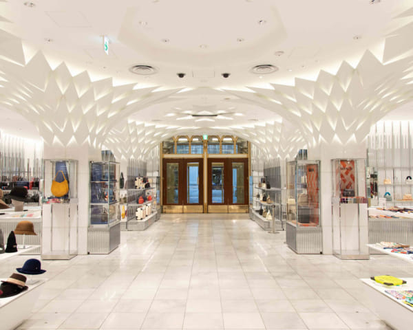 Nihombashi Mitsukoshi: Enjoy History, Architecture and Personal Shopping at this Long-Standing Store