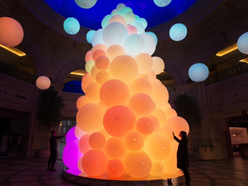Teamlab The tree of resonating colors of life